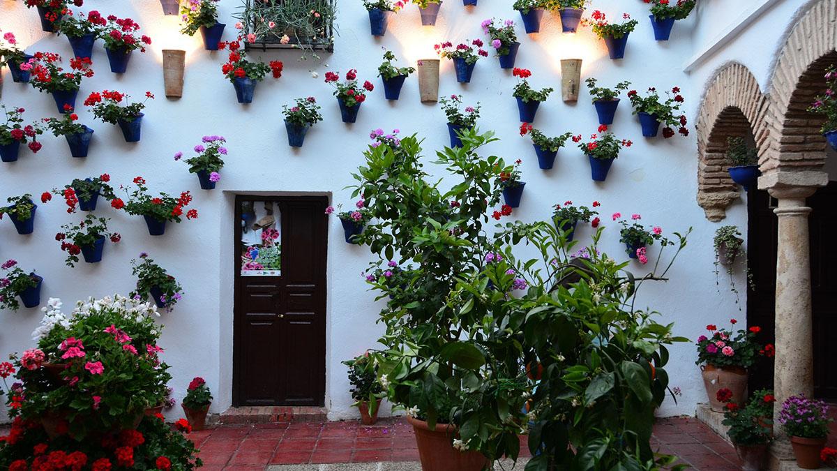 Patio con arcos en Córdoba