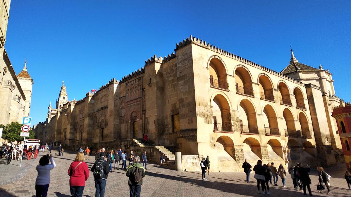 Exterior de la Mezquita Catedral de Córdoba