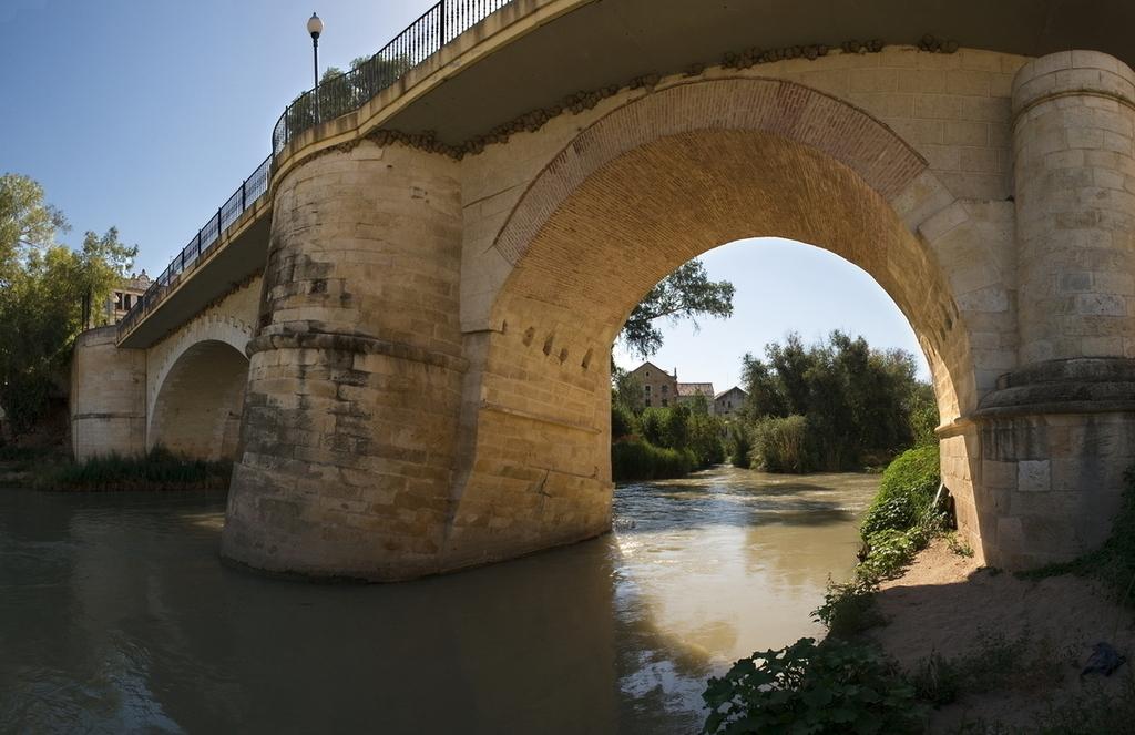 Puente de Piedra en Puente Genil, Córdoba
